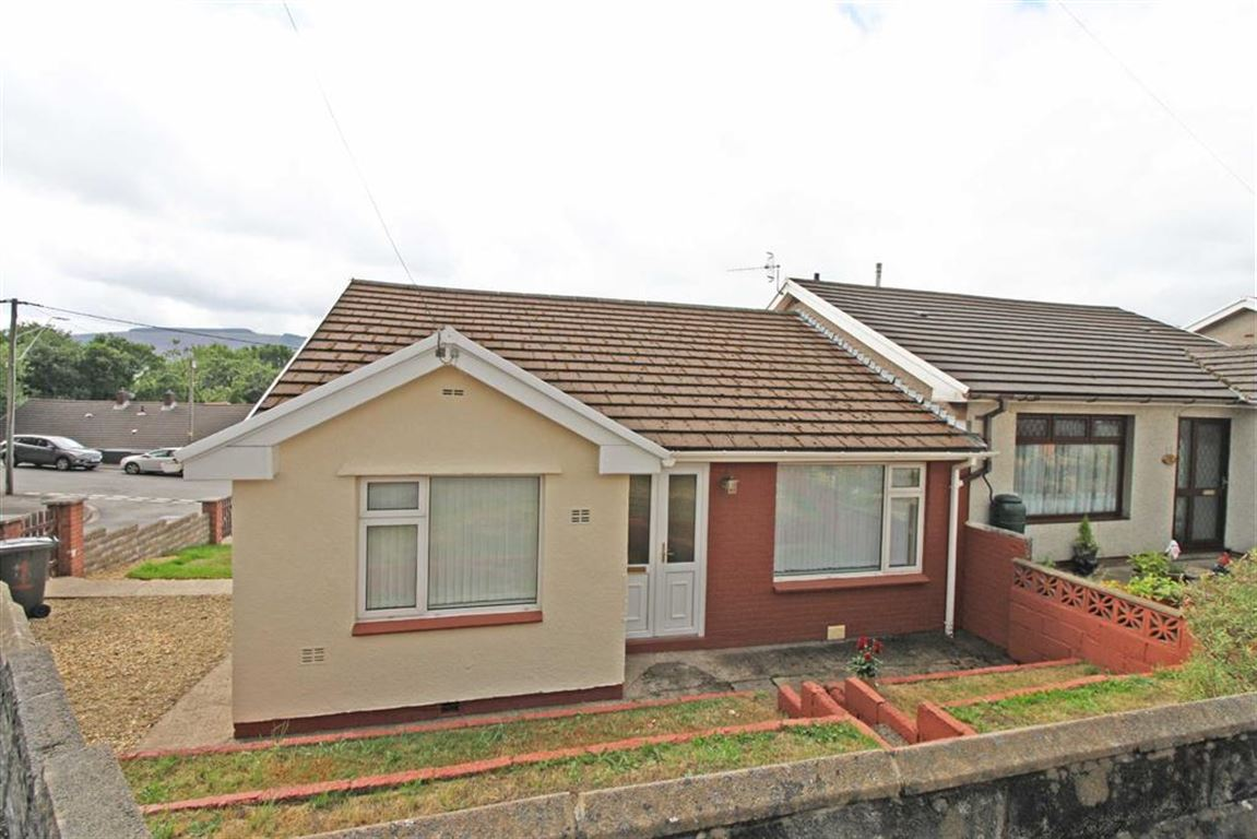 1 Fairfield Close, Cwmbach, Aberdare, Mid Glamorgan