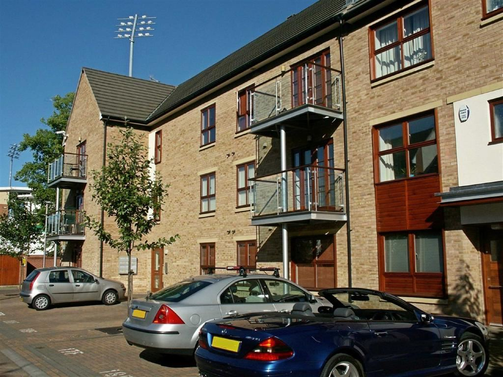 2 Bedrooms Flat for sale in St James