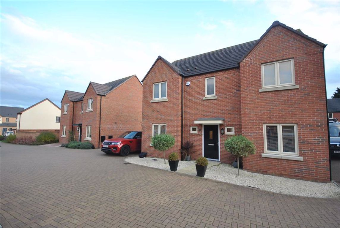 St Crispins, Northamptonshire   4 Bed House - detached