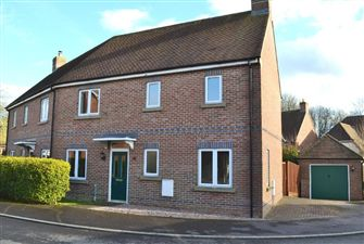 Property in Haysoms Drive, Greenham, West Berkshire