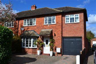 Property in Westgate Road, Newbury, West Berkshire