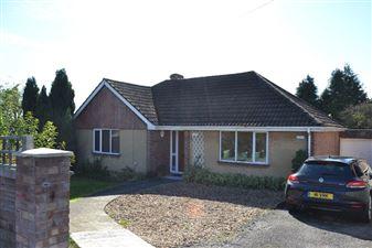 Property in Turnpike Road, Newbury, West Berkshire