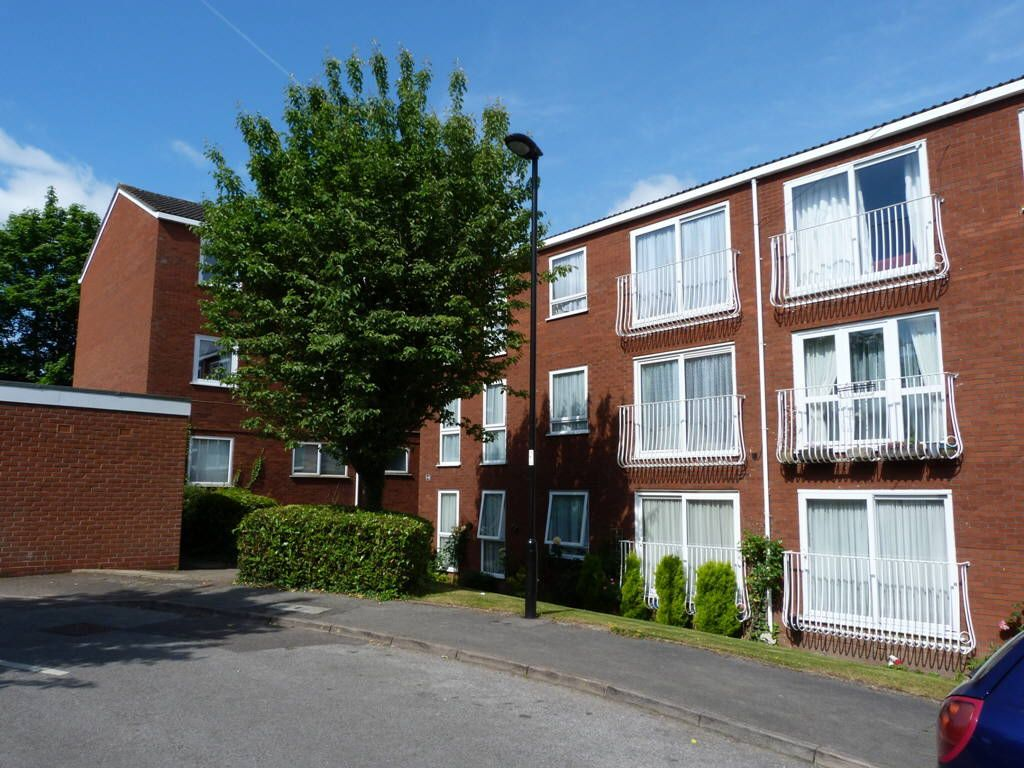 Roundhedge Way, Enfield, Middlesex, EN2
