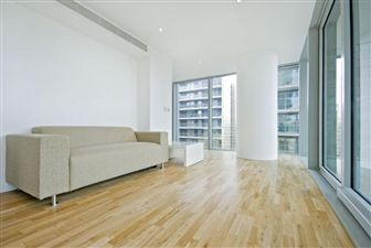 Property in Landmark East Tower, E14