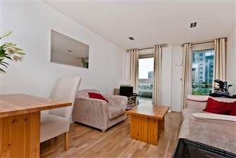 Property in Limeharbour, E14