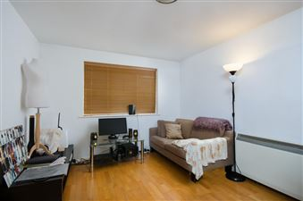 Property in Telegraph Place, E14