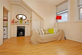 Property in Balham High Road, Balham, SW12