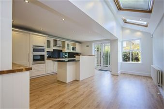 Property in Hillier Road, London, SW11