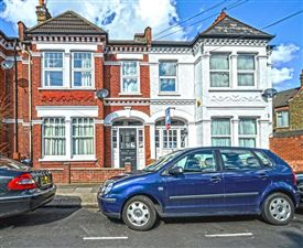 Property in Wheatlands Road, London, SW17