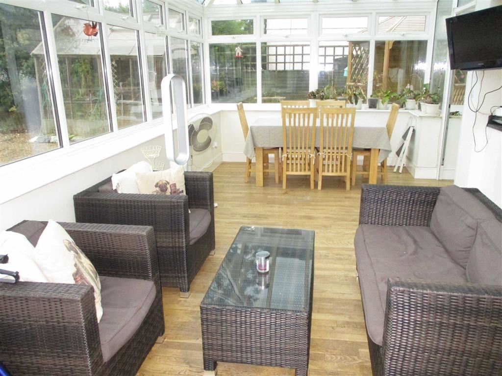 Conservatory/Family Room