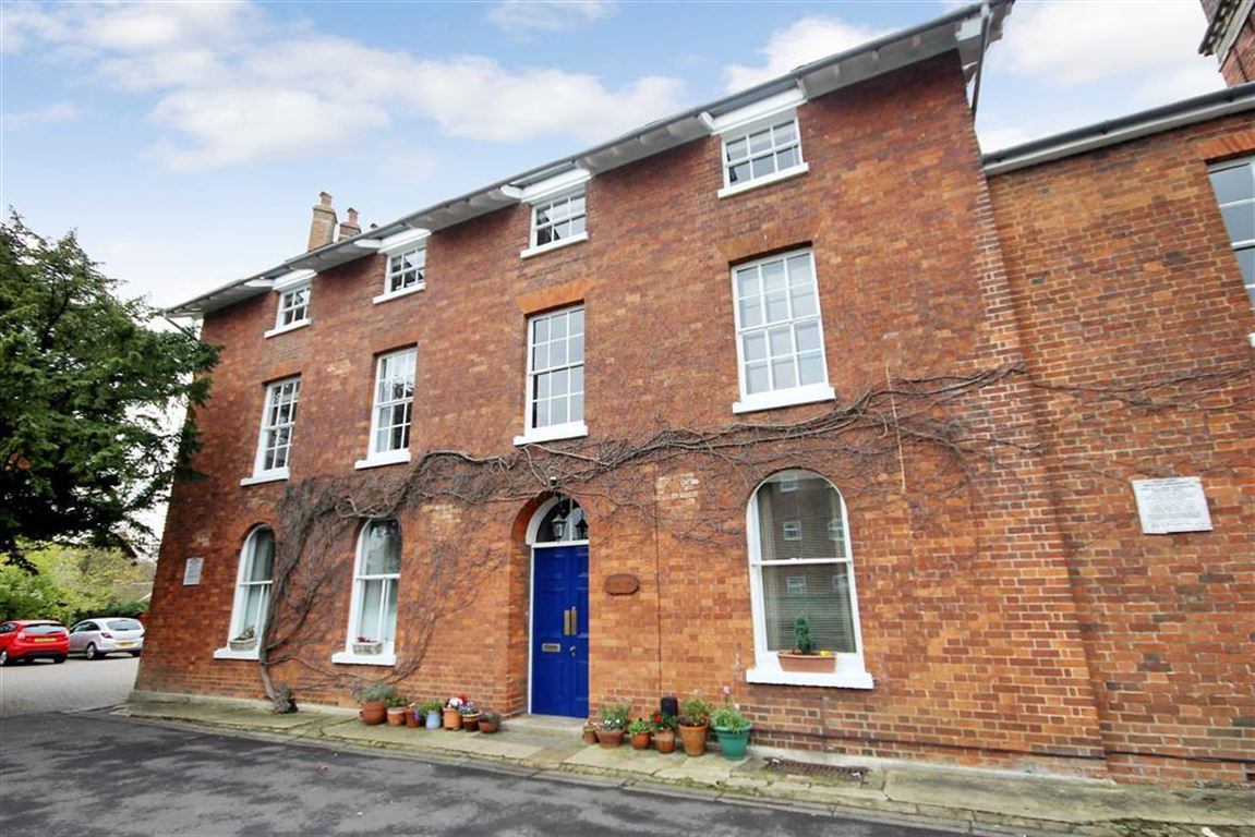 Land Commercial for sale in Redlands, Charlotte Mews, Old Town, Swindon