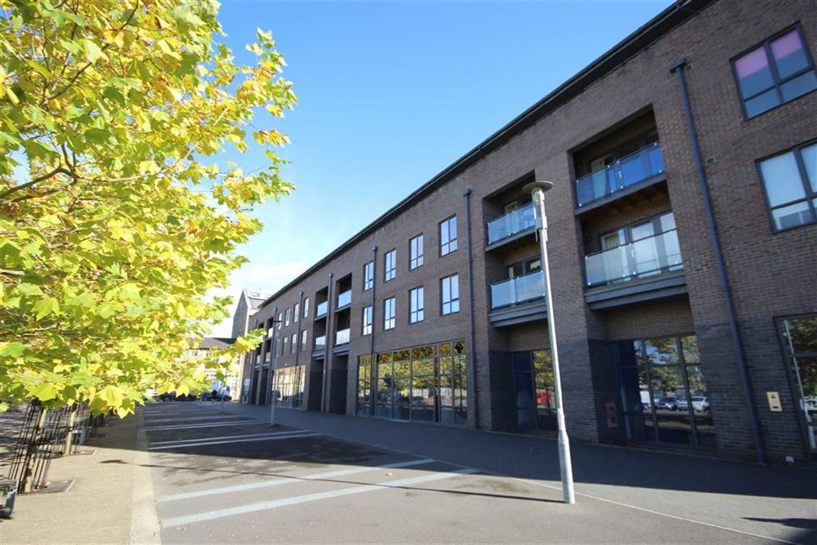 1 Bedroom Apartment Flat for sale in Priam House, Firefly Avenue, Rodbourne, Swindon