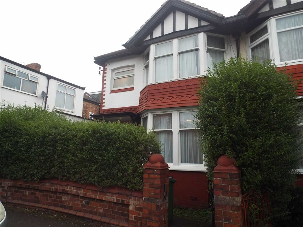 3 Bedrooms Semi Detached House for sale in Mildred Avenue, Prestwich