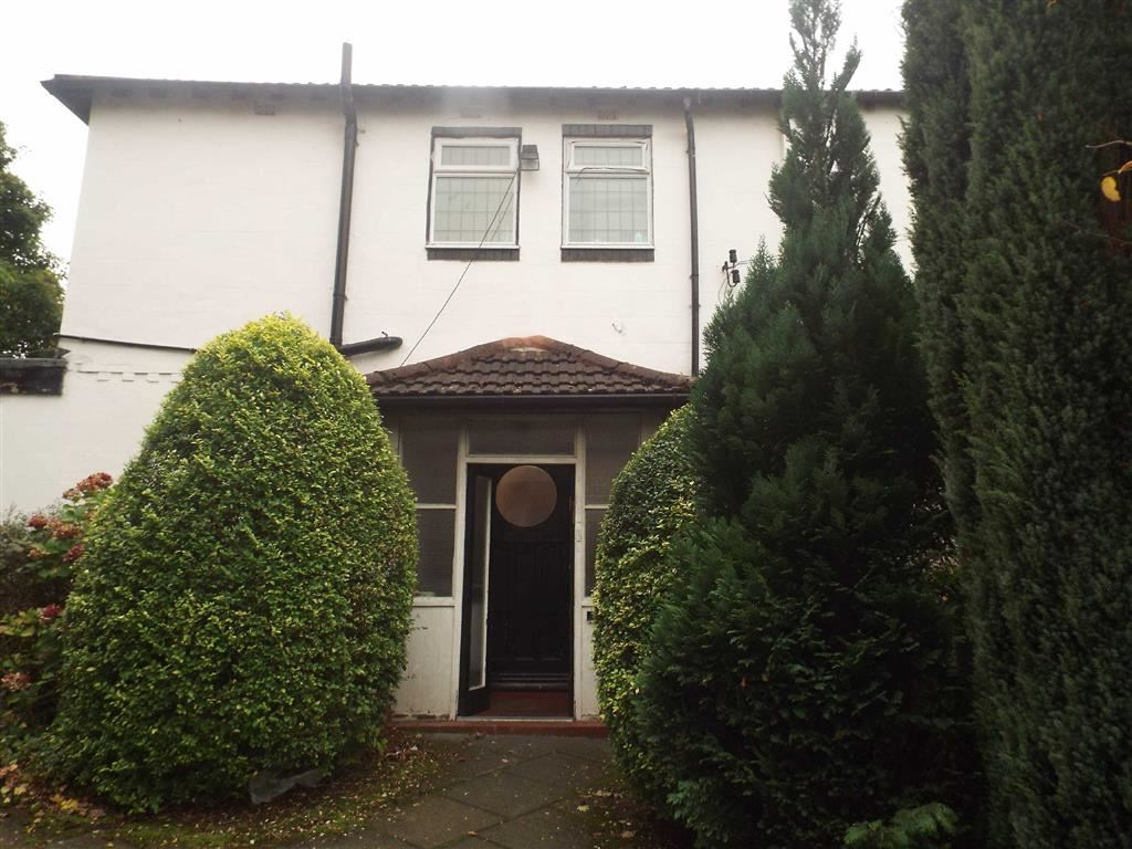 4 Bedrooms Semi Detached House for sale in Bentley Road, Salford