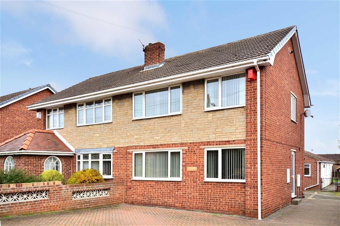 3 Bedrooms Property for sale in Field Lane, Upton, Pontefract, WF9