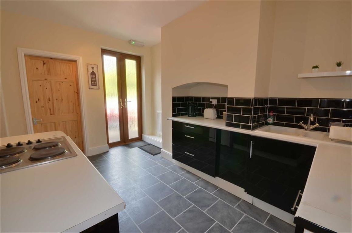 2 Bedrooms Property for sale in Weeland Road, Knottingley, WF11