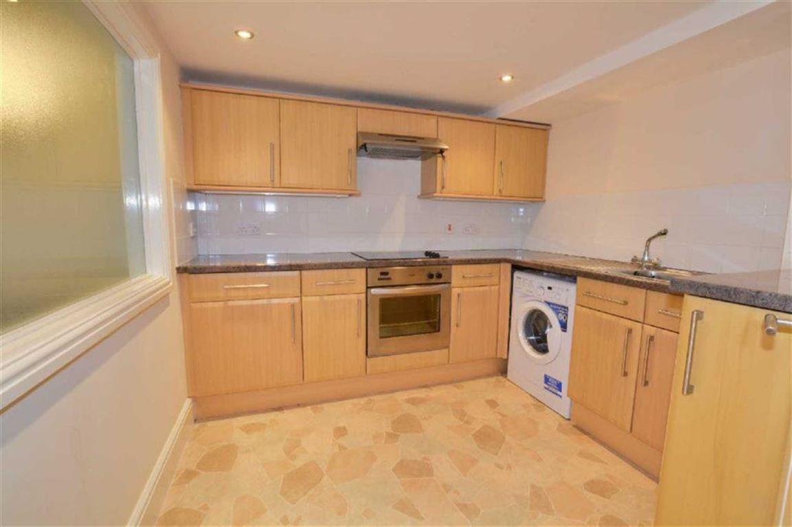 2 Bedrooms Property for sale in Queens Hotel Apartments, Pontefract, WF8