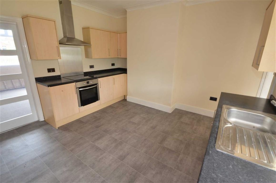 3 Bedrooms Property for sale in Holgate View, Fitzwilliam, Pontefract, WF9