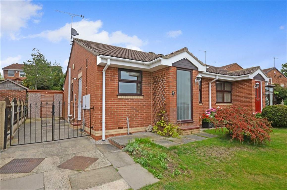 2 Bedrooms Property for sale in Fenton Close, South Kirkby, WF9