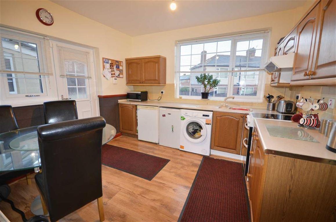 3 Bedrooms Property for sale in Brettegate, Hemsworth, Pontefract, WF9
