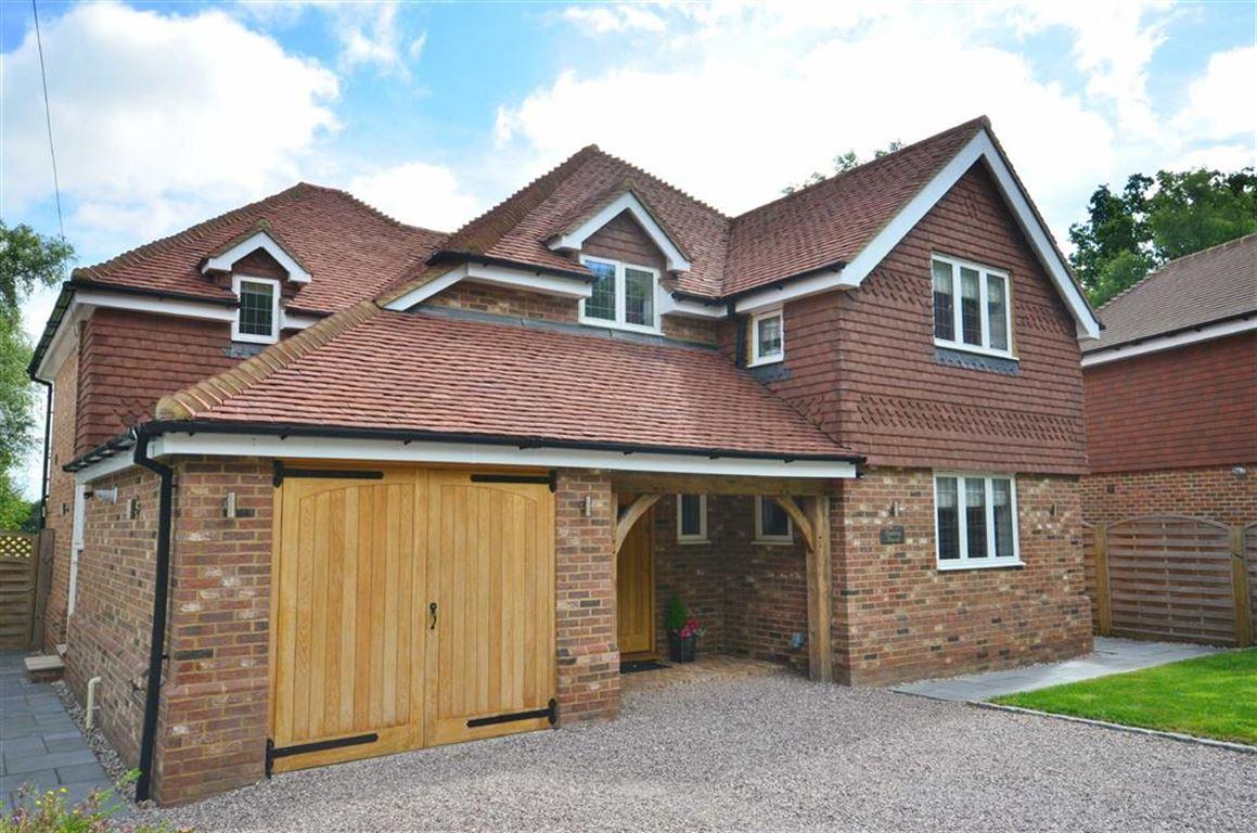 4 Bedrooms Property for sale in Hookley Lane, Elstead