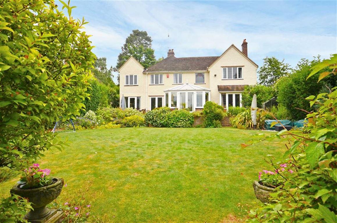 4 Bedrooms Property for sale in Echo Barn Lane, Farnham