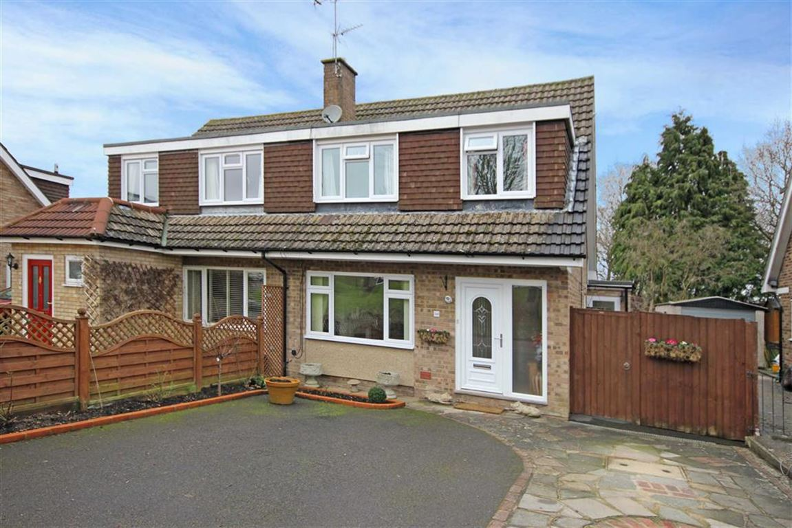 3 Bedrooms Semi Detached House for sale in Riverdale, Wrecclesham, Farnham
