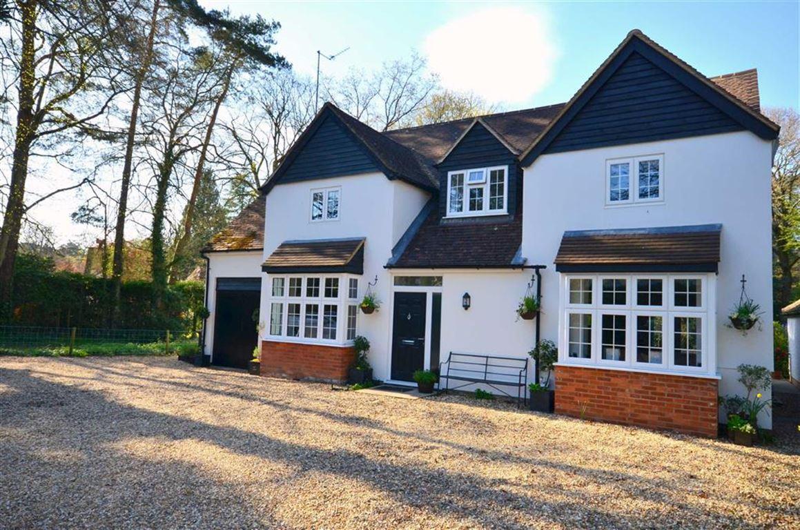 5 Bedrooms Detached House for sale in Frensham Vale, Lower Bourne, Farnham