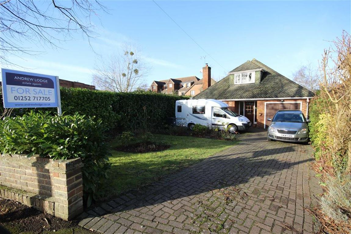 4 Bedrooms Chalet House for sale in Broomleaf Road, Farnham