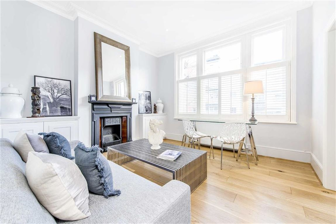 2 Bedrooms Flat for rent in Wandsworth Bridge Road, Fulham, London, SW6