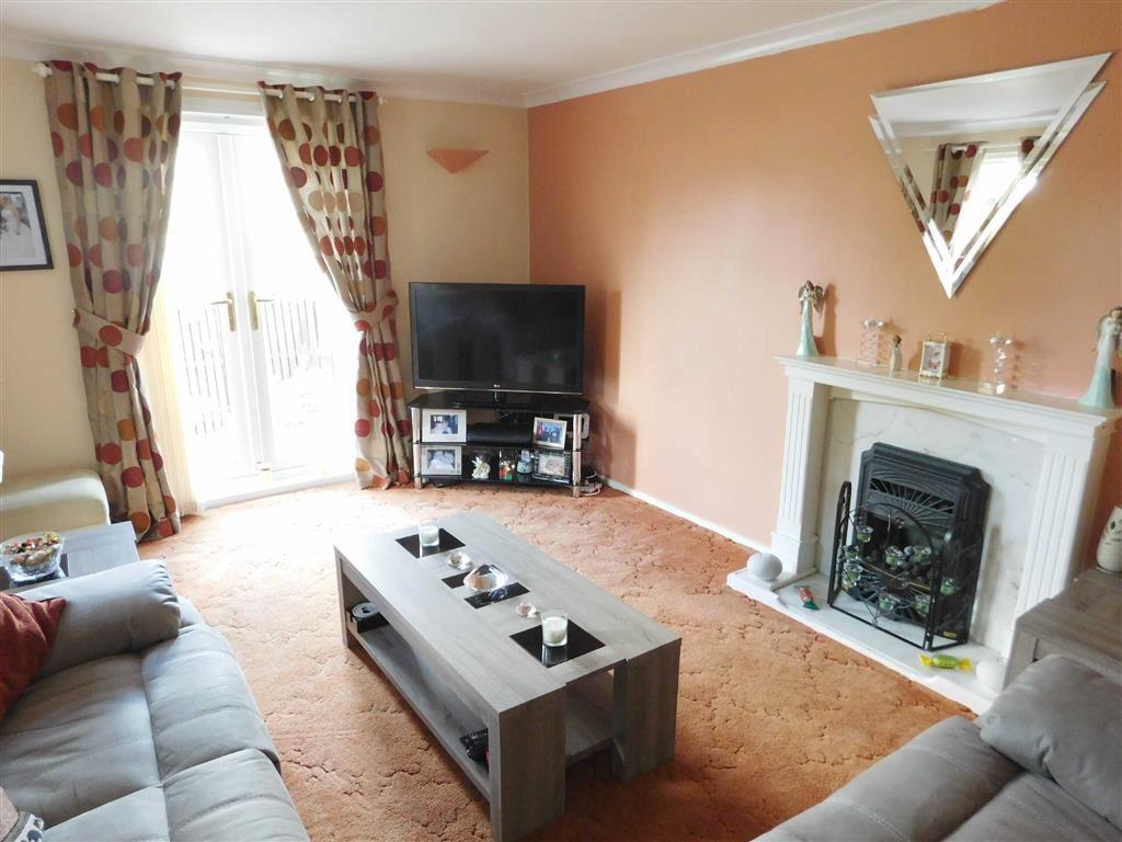2 Bedrooms Property for sale in Redwood Grove, Moldgreen, Huddersfield