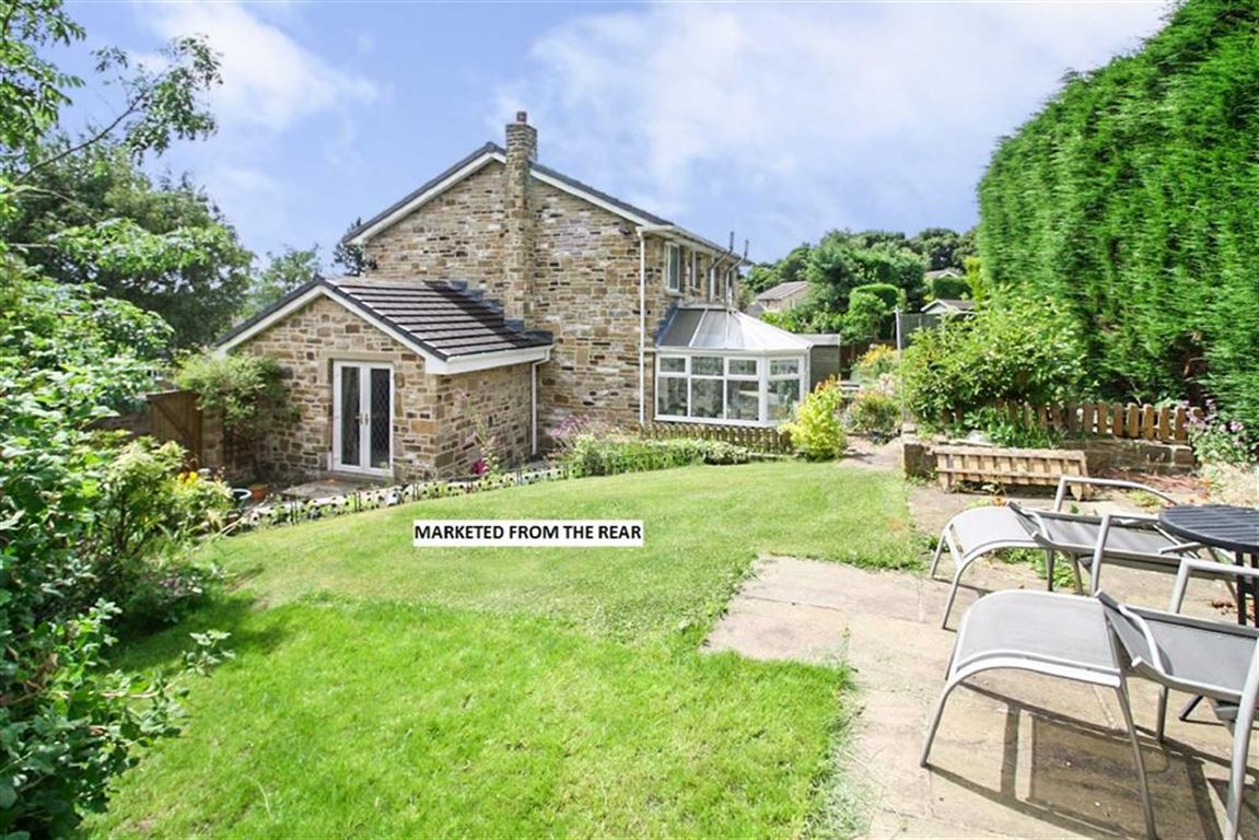 5 Bedrooms Detached House for sale in Beechwood Grove, Fixby, Huddersfield
