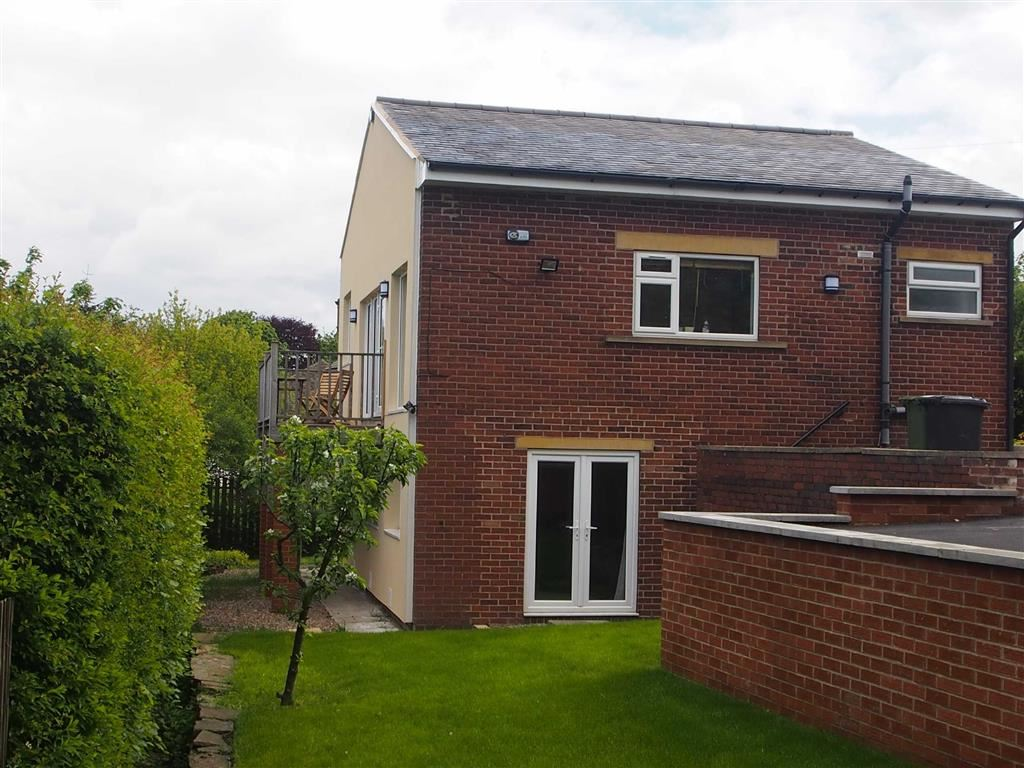 4 Bedrooms Detached House for sale in Occupation Road, Newsome, Huddersfield
