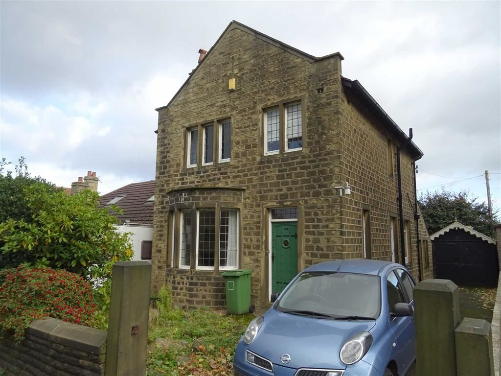 3 Bedrooms Detached House for sale in Blackmoorfoot Road, Crosland Moor, Huddersfield