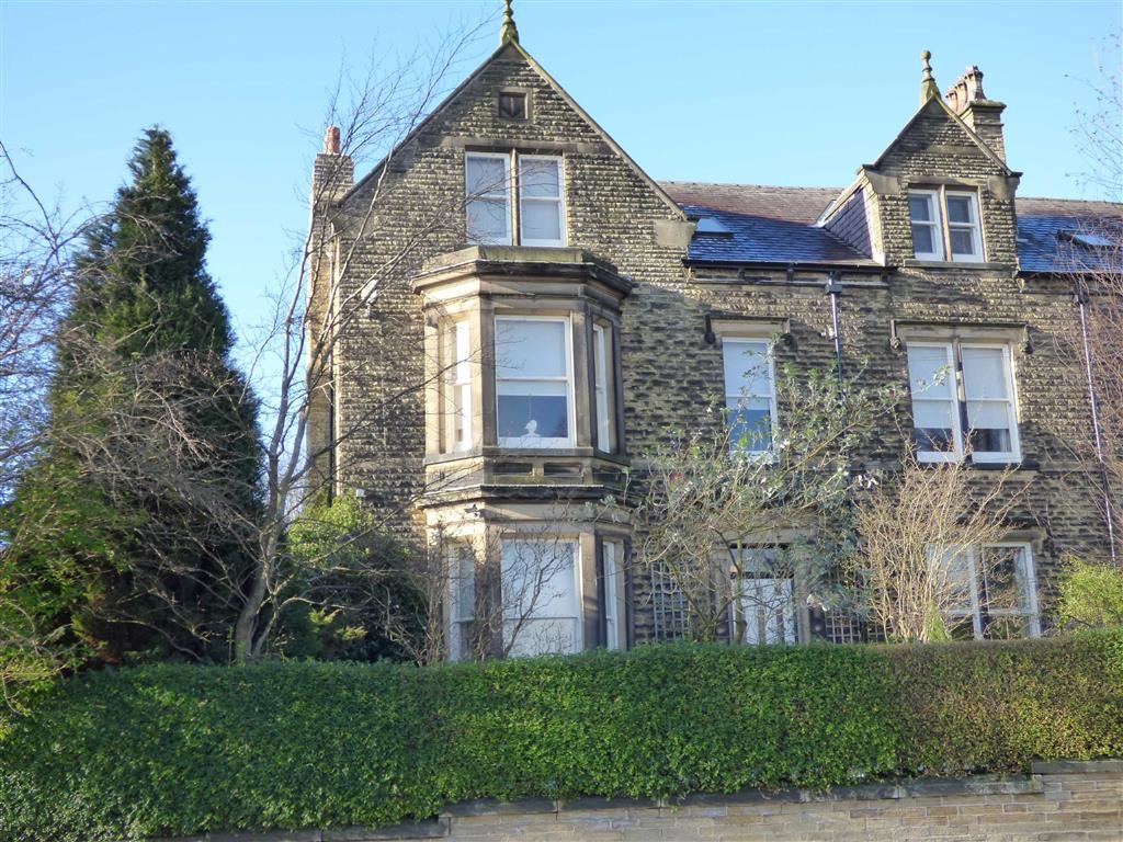 7 Bedrooms Semi Detached House for sale in Thornhill Road, Lindley, Huddersfield