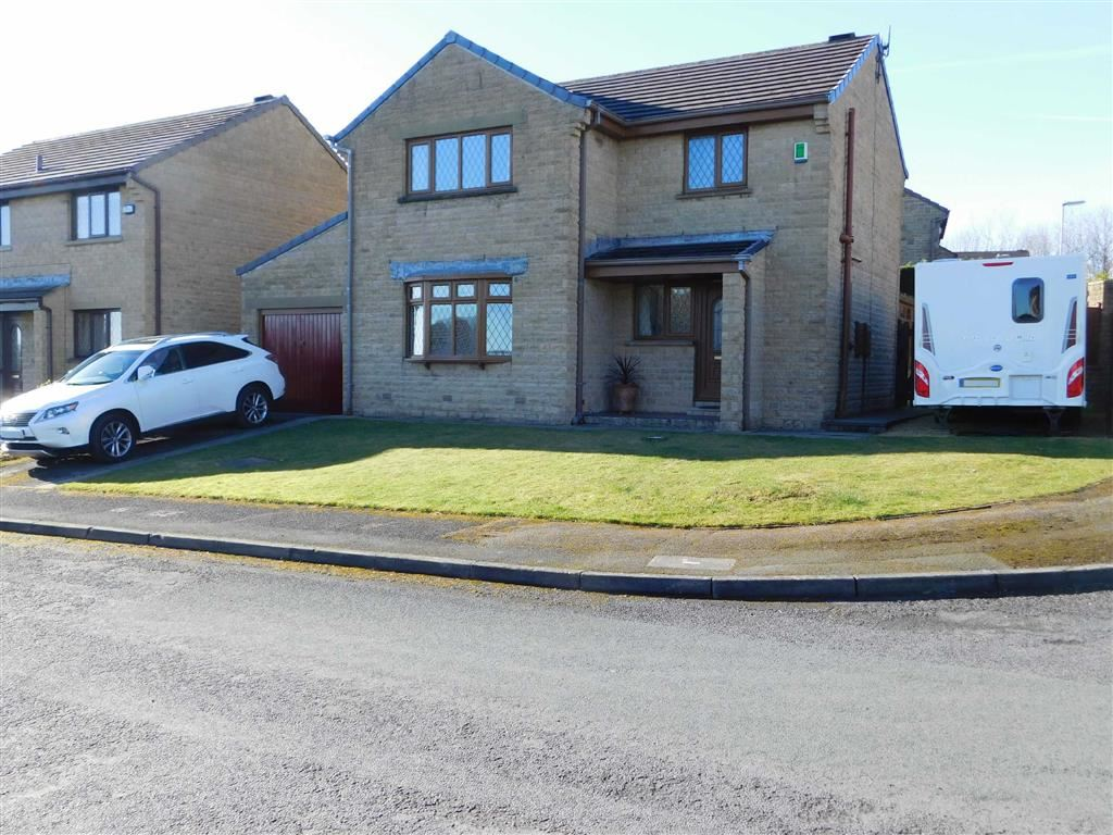 4 Bedrooms Detached House for sale in Moor Close, Beaumont Park, Huddersfield