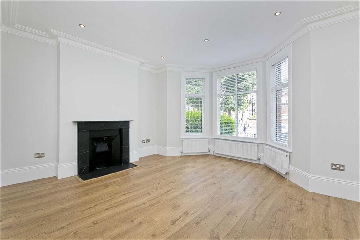 2 Bedrooms Flat for sale in Essendine Road, London, W9