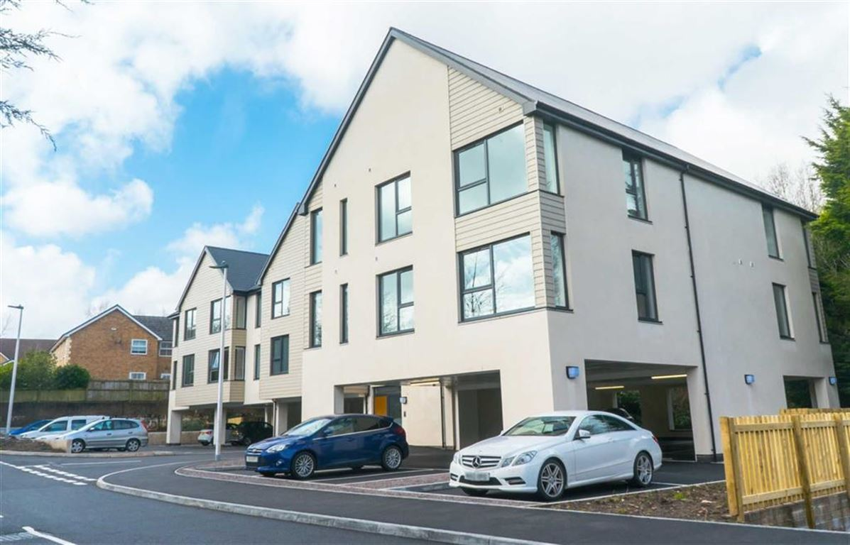 Castle Manor, Caerphilly, CF83 1BW