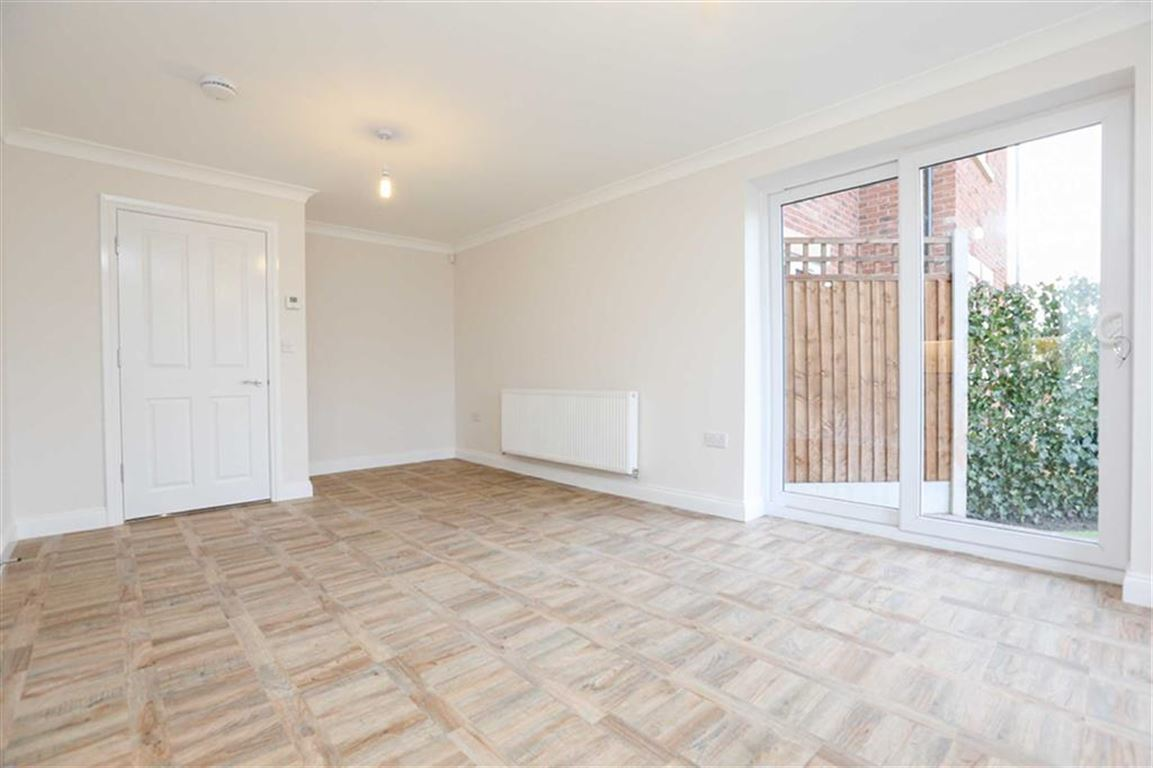 2 Bedroom Garden Flat For Sale Chorlton Brook Image $key