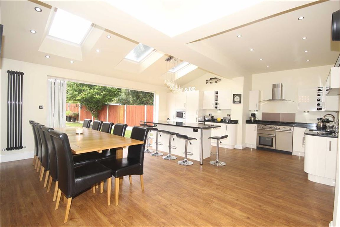 6 Bedroom Semi-detached House For Sale Greenleach Lane Image $key
