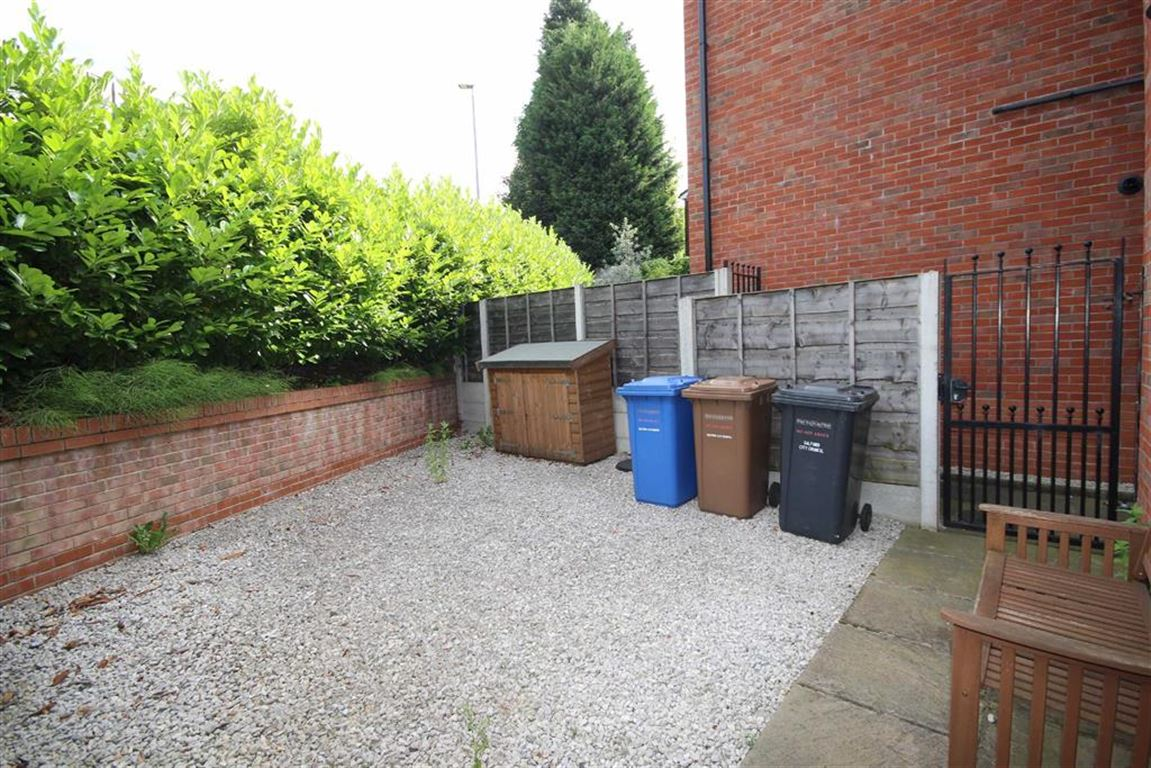 3 Bedroom Semi-detached House Sold Subject to Contract Chaddock Lane Image $key