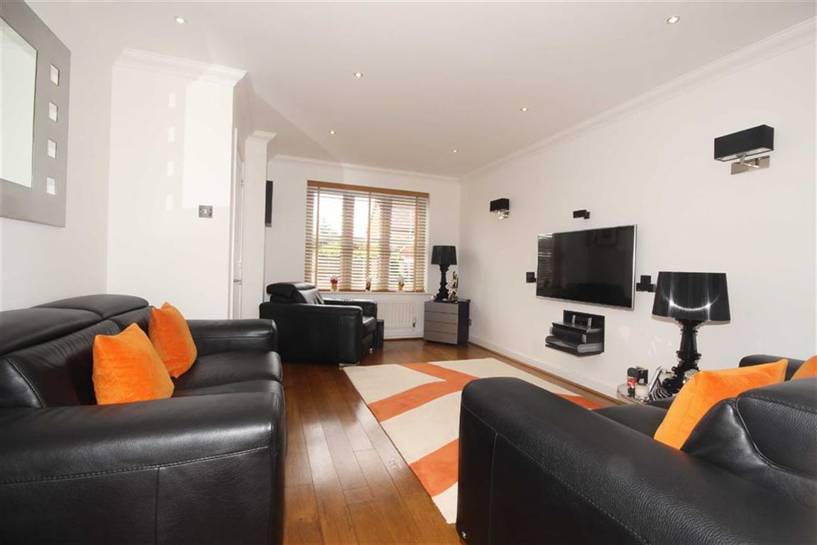 4 Bedroom Detached House For Sale Ladyhill View Image $key