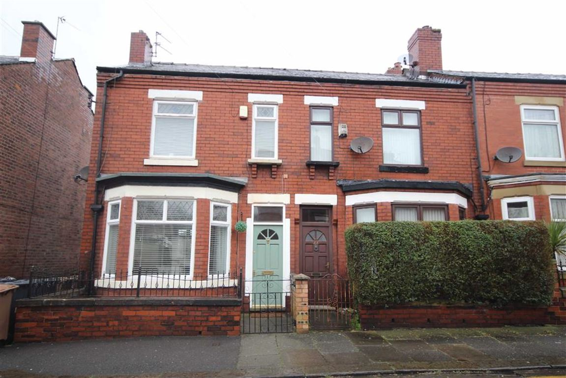 Gordon Road, Monton, M30