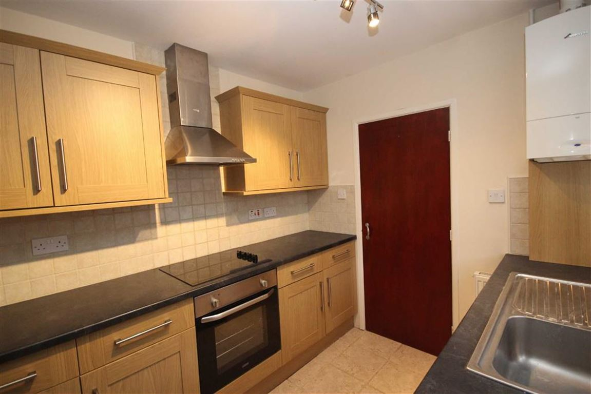 3 Bedroom Semi Detached Bungalow To Let Windlehurst Drive Image $key