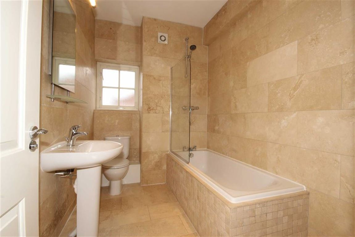 4 Bedroom End Mews House For Sale Abbeycroft Close Image $key
