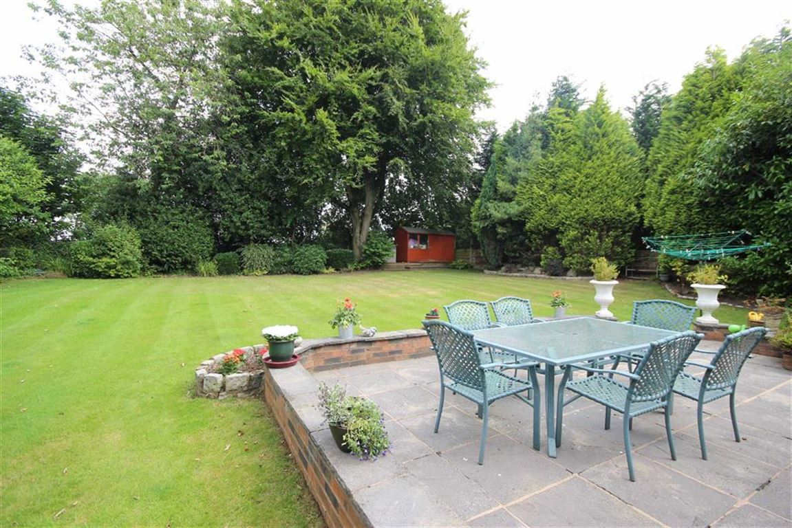 5 Bedroom Detached House For Sale Leigh Road Image $key