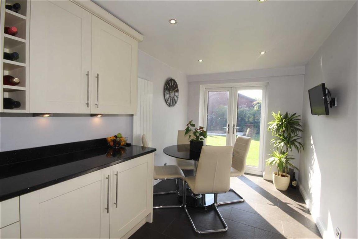 4 Bedroom Link Detached House Sold Subject to Contract Oriole Drive Image $key
