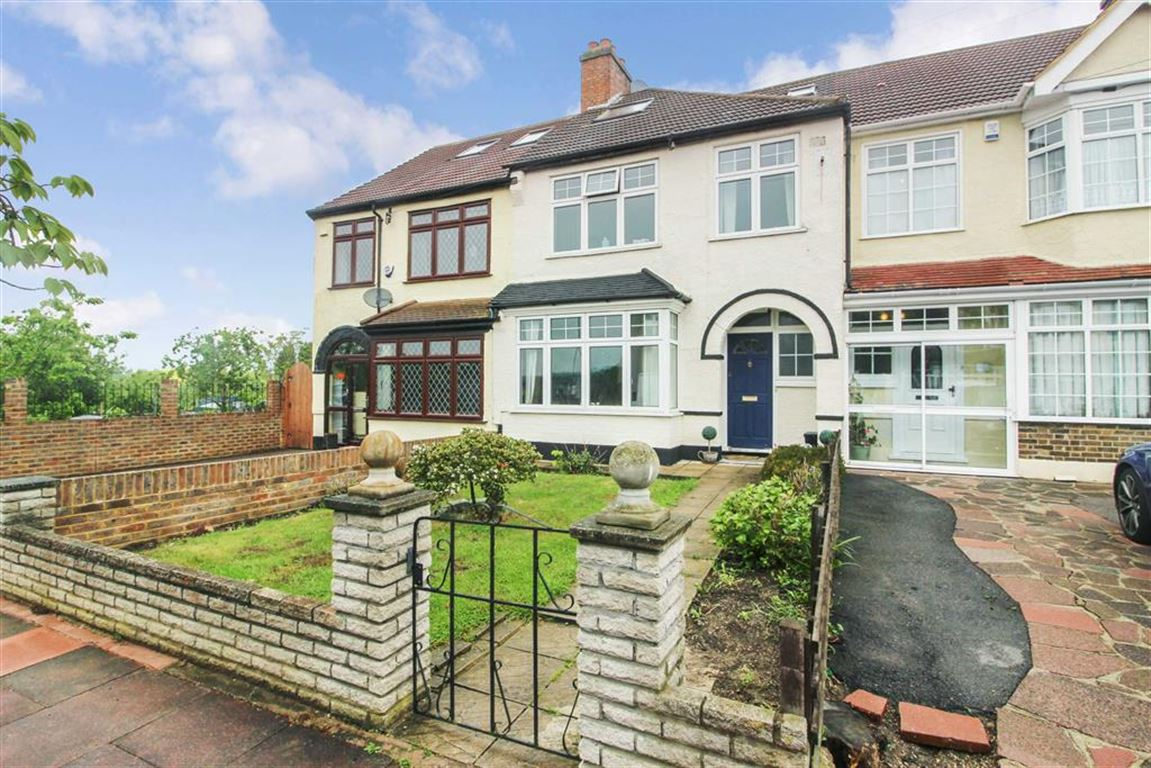 4 Bedrooms Property for sale in Abbots Way, Beckenham, BR3