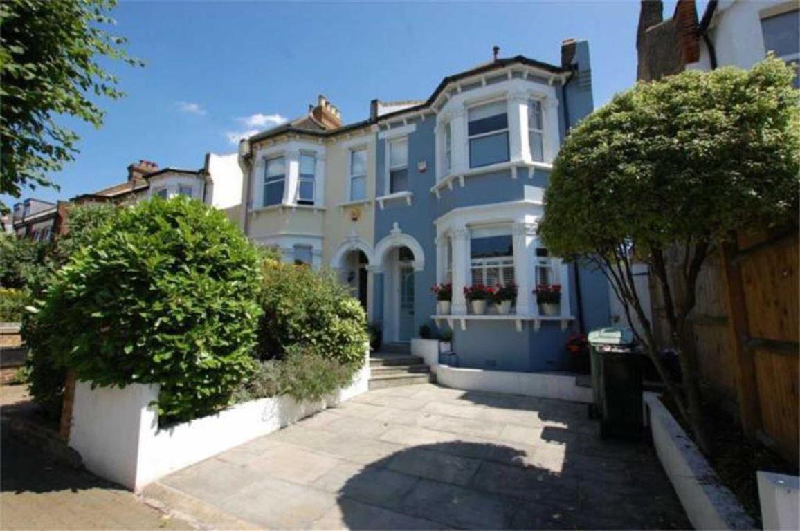 4 Bedrooms Semi Detached House for sale in Mackenzie Road, Beckenham, BR3