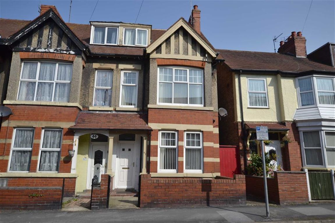 5 Bedrooms End Of Terrace House for sale in Richmond Street, Bridlington, YO15